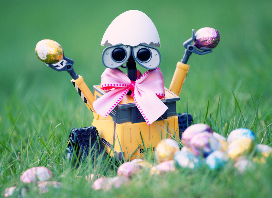 http://greatinspire.com/wp-content/uploads/2012/04/Happy-Easter-by-Thomas-F.jpg