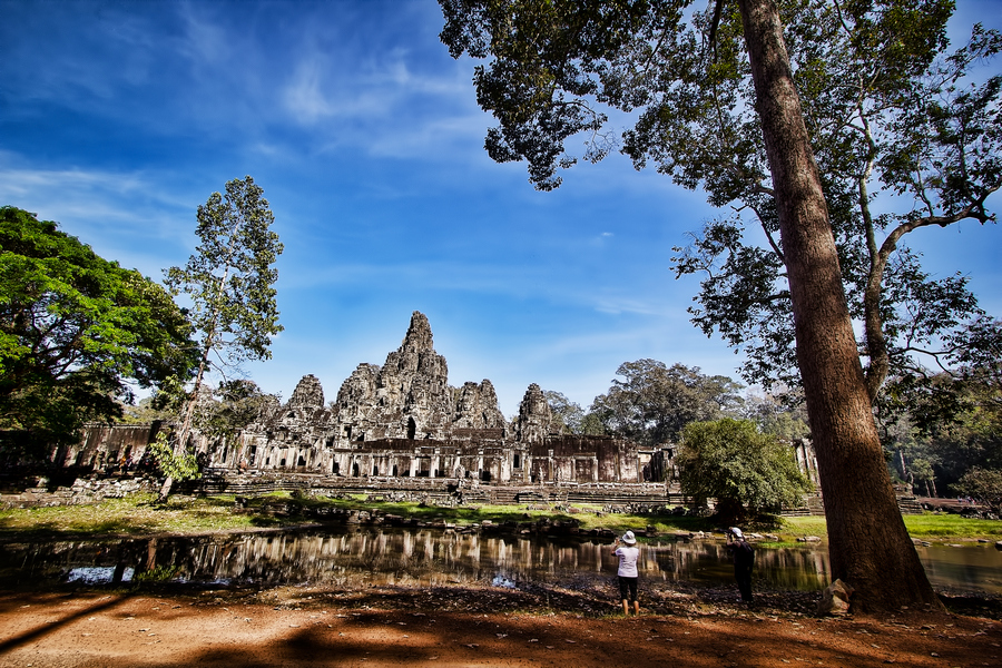Khmer temple at Angkor in Cambodia by Bunnawath ( B-FOTO )