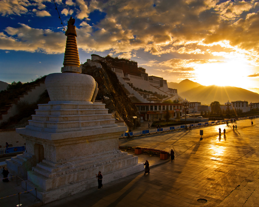 potala palace tibet china by Coolbiere A