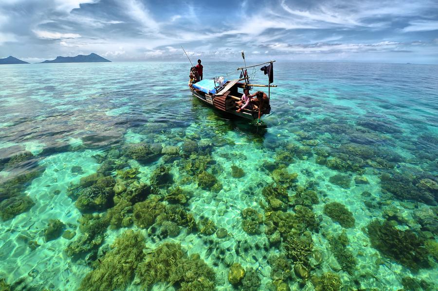 Semporna - Malaysia by Jason Matthew Tye