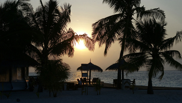 Dhigghiri Sunset - Maldives by andrea innaciotti