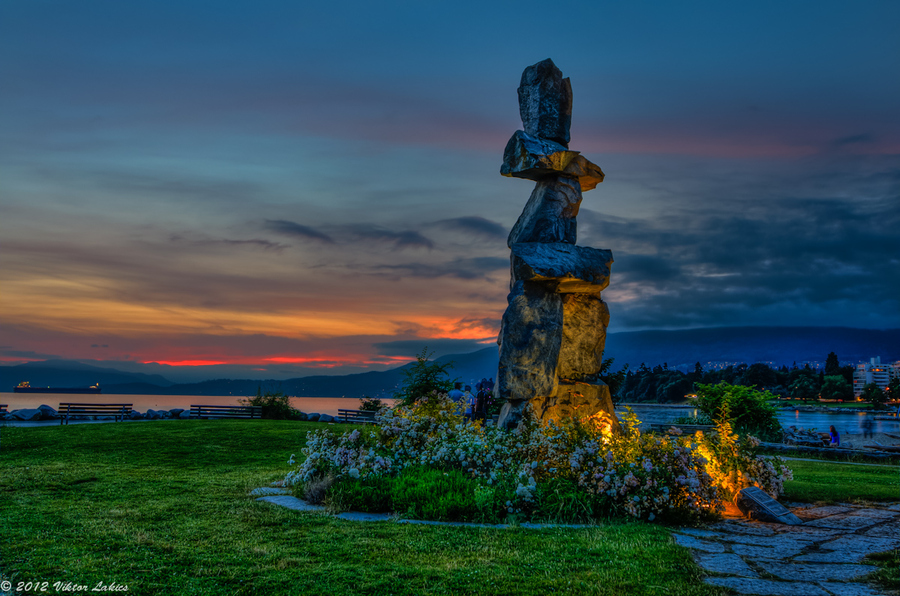 Inukshuk At English Bay by Viktor Lakics