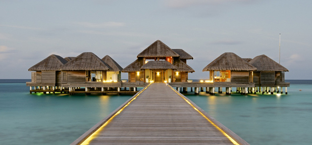 island Huvafen Fushi - Maldives by Jamie Frith