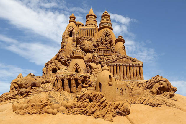 Amazing and beautiful sand sculptures (1)