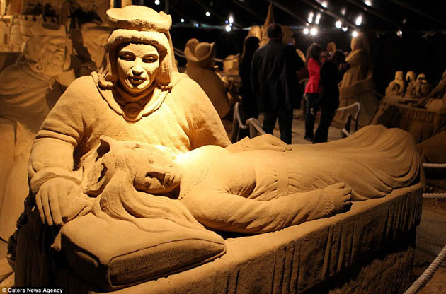 Amazing and beautiful sand sculptures (10)