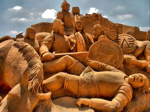 Amazing and beautiful sand sculptures (11)