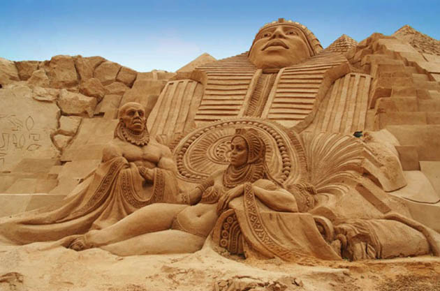 Amazing and beautiful sand sculptures (13)
