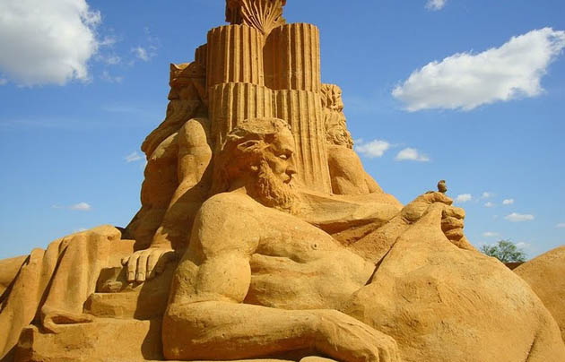 Amazing and beautiful sand sculptures (14)