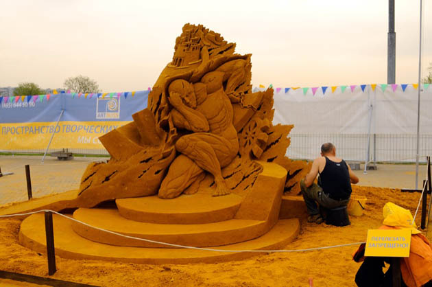 Amazing and beautiful sand sculptures (15)
