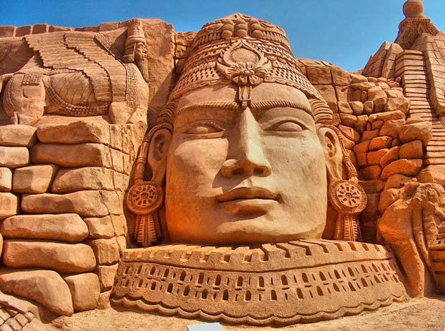 Amazing and beautiful sand sculptures (16)