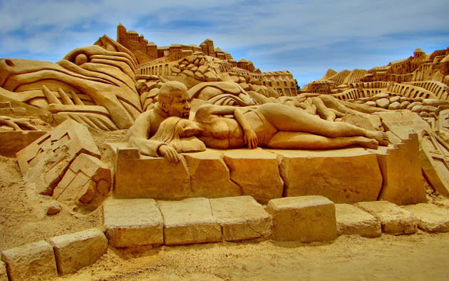 Amazing and beautiful sand sculptures (17)