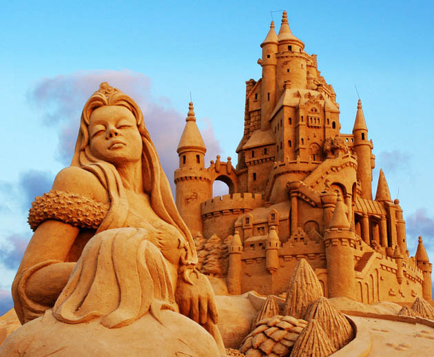 Amazing and beautiful sand sculptures (19)