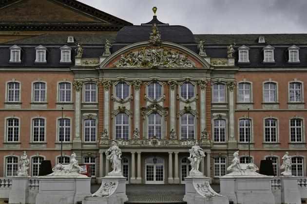 Castle-Monaise-Trier