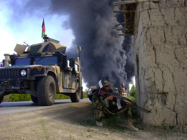 afghan_soldier-Best Afghanistan Photo Snaps
