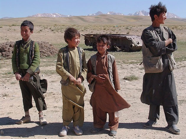 boys_tank-Best Afghanistan Photo Snaps