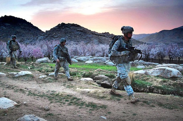 dismounted_patrol_mission-Best Afghanistan Photo Snaps