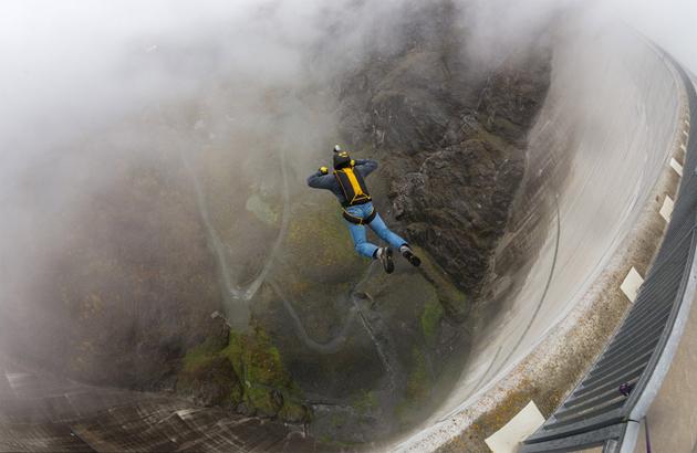 base-jumping-switzerland