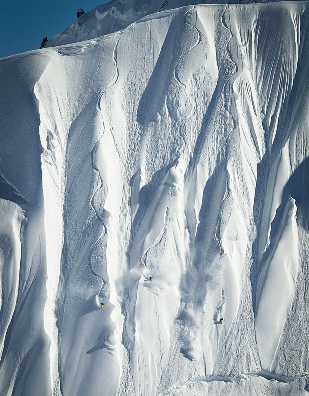 first-snowboarders-to-conquer-vertical-alaskan-slope