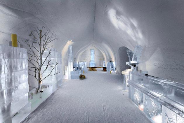ice-hotel-lobby-finland