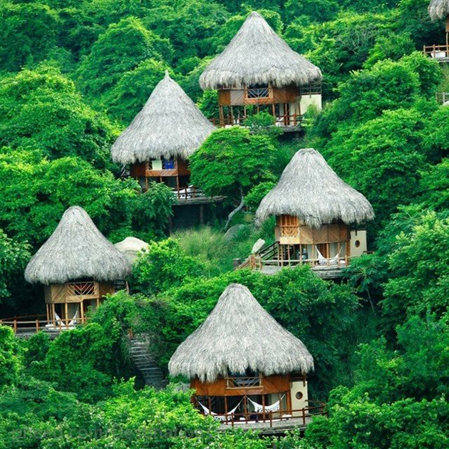 hammock-of-a-tiny-hut-in-Santa-Marta-Colombia