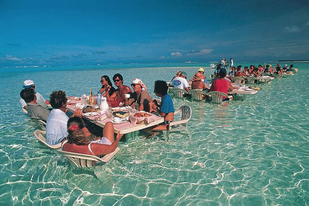 sea-restaurant-in-Bora-Bora