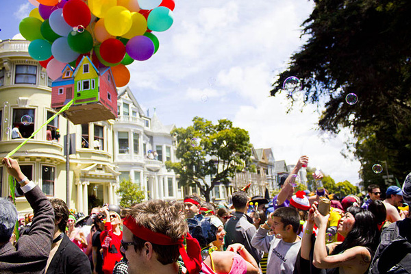 Bay to Breakers, California [Third Sunday in May]