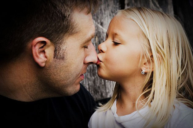 Father-Daughter-Cute-Photo-520x346