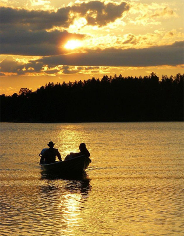 finland_country_of_thousands_lakes