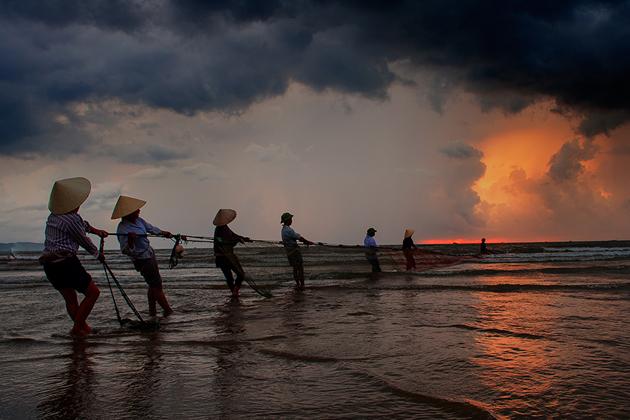 Pull the sun by Hai Thinh