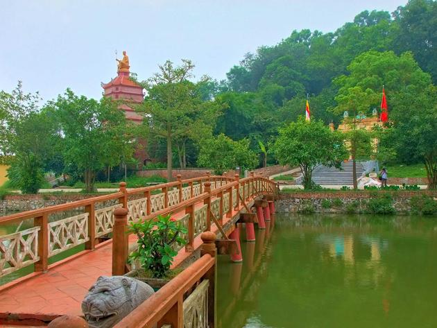 Tieu Pagoda by Khoi Tran Duc