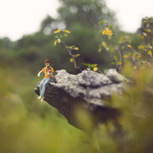 30 Tiny miniature Photography by fiddle oak (24)