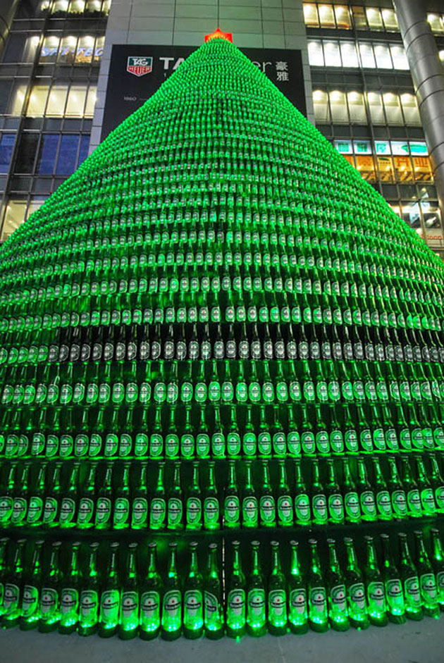 #(1)CHINA-SHANGHAI-BEER BOTTLE-CHRISTMAS TREE   (CN)