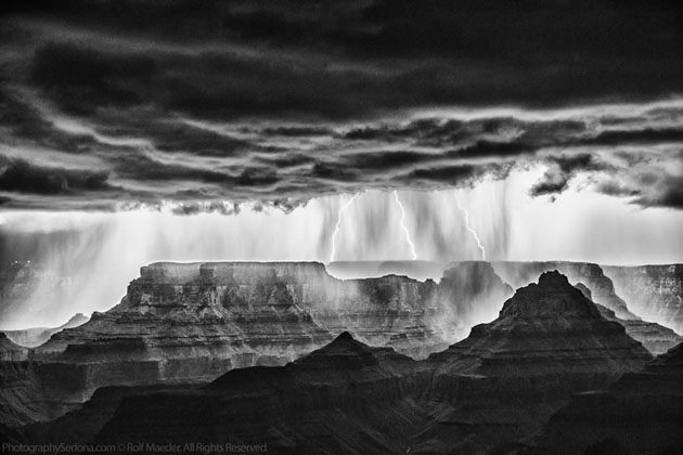 Best Photographs of Lighting Storms by Rolf Maeder-Grand-Canyon (15)