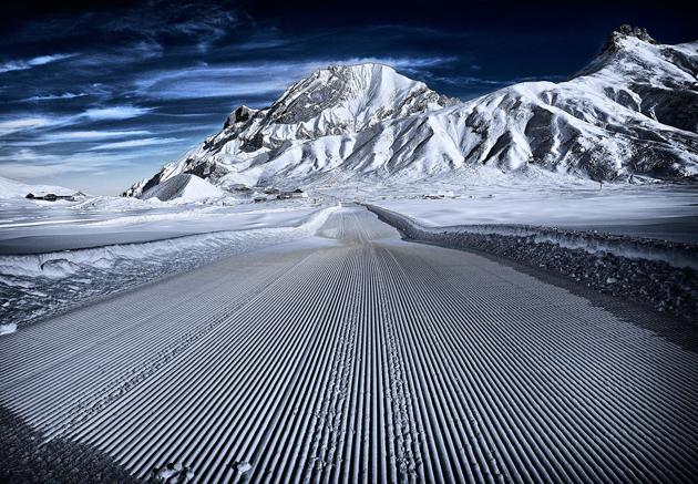 Virgin Winter walkway in Adelboden-Engstligenalp-Unexplored by Gavin Thomas
