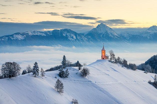 Winter morning on Jamnik by Simon Benedičič