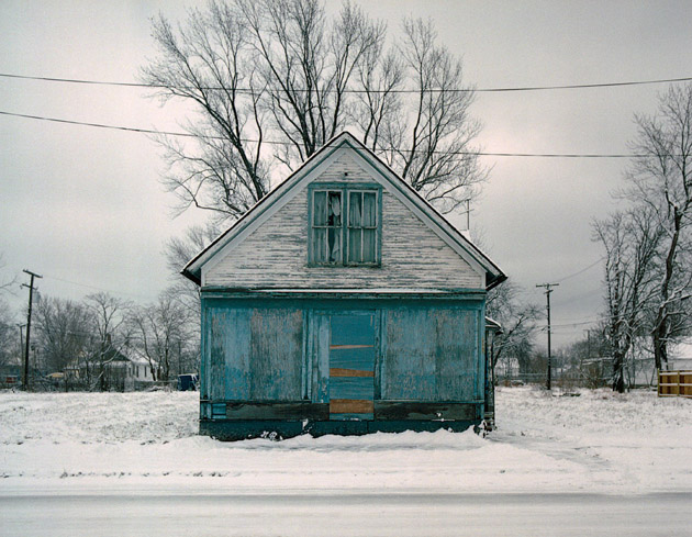 ABANDONED HOUSE Pictures (10)