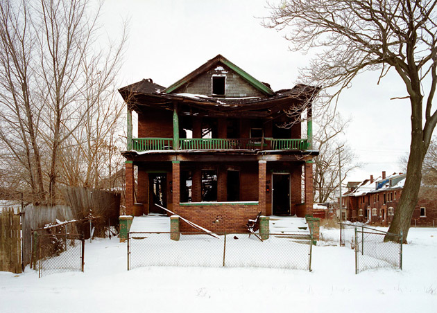 ABANDONED HOUSE Pictures (11)