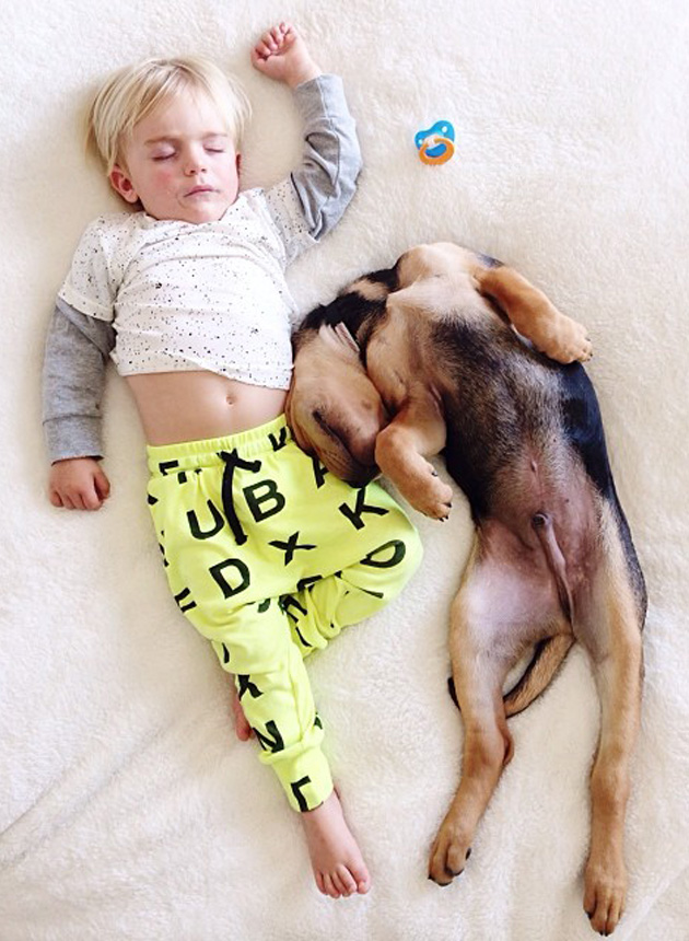 Cute Photography of a Toddler with Puppy (1)