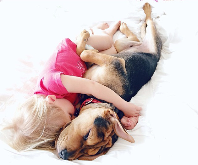 Cute Photography of a Toddler with Puppy (2)