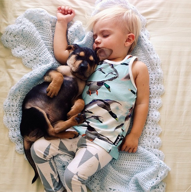 Cute Photography of a Toddler with Puppy (3)