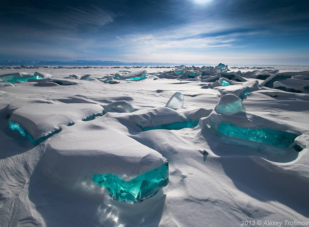 Beautiful Baikal Lake in Russia (1)