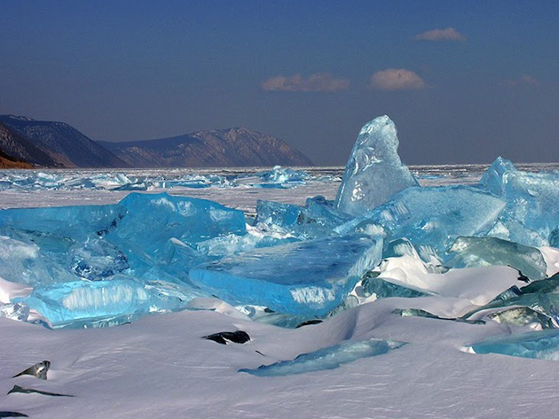 Beautiful Baikal Lake in Russia (3)
