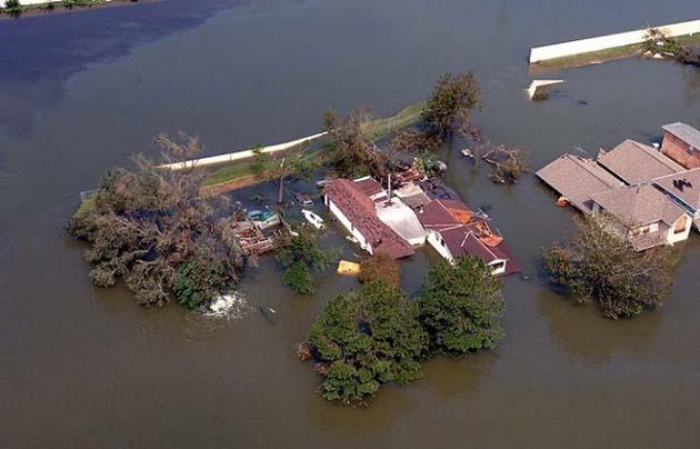 Hurricane-Katrina-2005