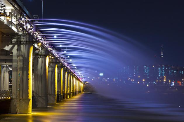 rainbow bridge by Tiger Seo