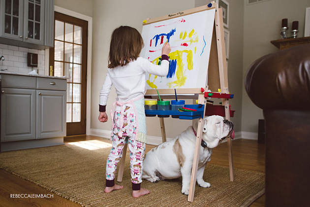 Beautiful Photos of a Little Girl and Her English Bulldog (19)