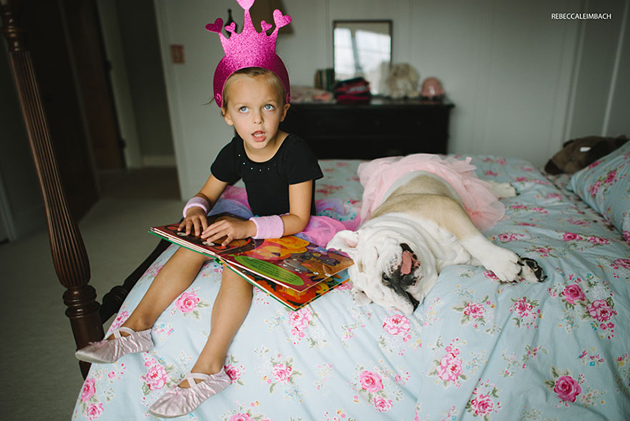 Beautiful Photos of a Little Girl and Her English Bulldog (2)