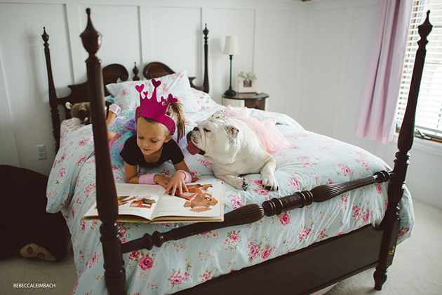Beautiful Photos of a Little Girl and Her English Bulldog (4)