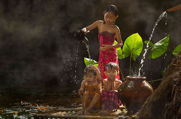 Day by Day life Of Village People in Indonesia by Herman Damar -Greatinspire (14)