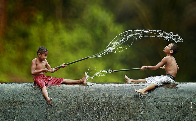 Day by Day life Of Village People in Indonesia by Herman Damar -Greatinspire (20)