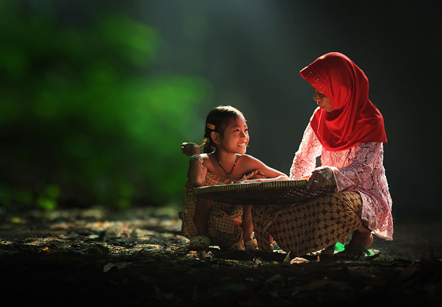 Day by Day life Of Village People in Indonesia by Herman Damar -Greatinspire (3)